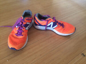New Balance Women's sneakers 1500V - Size 7.5