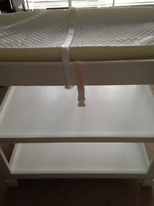Baby change table and pad