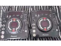Pair of pioneer cdj 1000 mk3 cd decks
