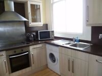 DON'T MISS OUT 2 BED FLAT AVAILABLE IMMEDIATELY - TW15 - COUNCIL TAX INCLUDED - SNOOZE YOU LOSE!