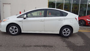 2012 Toyota Prius Hatchback VERY LOW KILOMETERS