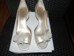 2 PAIRS OF BEAUTIFUL WEDDING SHOES