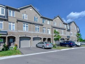 3-Storey Condo Townhouse in Lakeview 3 Bed / 3 Bath, Full Bsmnt