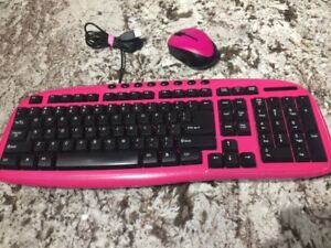 BRAND NEW FLUROSCENT PINK KEY BOARD & REMOTLESS MOUSE