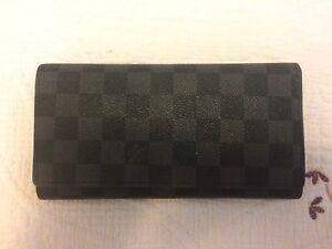 Louis Vuitton Wallet - Excellent condition