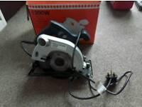 1200W B&Q Circular Saw - Hardly Used