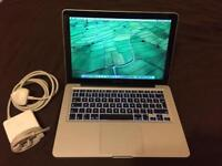 "MacBook Pro 13"" i5 late 2011 Superb Condition"