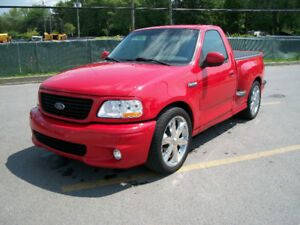 RARE 2002 FORD F150 SVT LIGHTNING (CAMION DE COLLECTION)