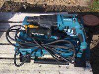 Makita Hr 2610 110V for spares or repair