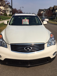 2014 Infiniti  QX50 Journey SUV  Like New!  Includes Winters