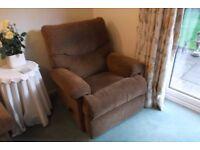 Manual reclining arm chair