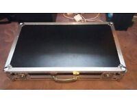 Spider pedalboard flight case