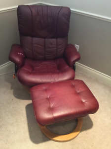 Recliner chair and ottoman