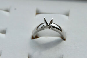 14kt White Gold solitaire mount NEW size 6 $300