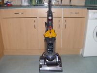 "DYSON DC33 MULTI FLOOR,VACUUM CLEANER,HOOVER,""6 MONTHS WARRANTY"""