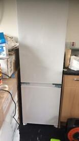 intergrated fridgefreezer