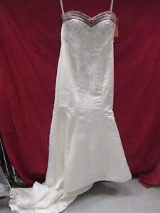 New wedding dress and accessories
