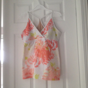 Lululemon Size 10 Floral tank with Power Y strap