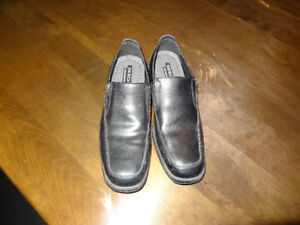Mens Dress Shoe - Black - Skeecher - Size 8.5 US