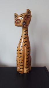 Statue chat en bois