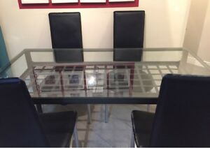 Granas IKEA glass top table