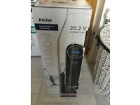 Bosch cordless hoover, less than 2 years old, with box and guarantee