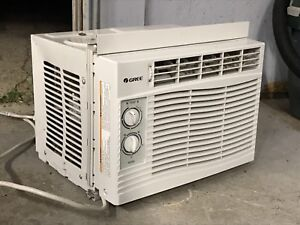Excellent Condition Window AC