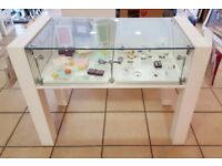 Retail glass display cabinets lockable with lights
