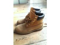 Timberland Womens Boots Size 4 Classic USED