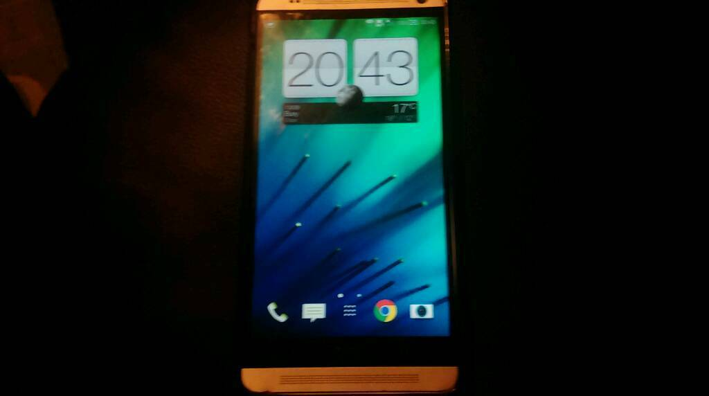 HTC One Maxin Bury, ManchesterGumtree - Generally in very good condition except for the dent near the front facing camera, but that doesnt affect the performance of it. Only issue is that it now needs a new SIM tray as I got my SIM adapter stuck in there and broke the SIM tray when I...