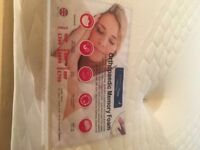 Brand new orthopaedic memory foam king size mattress Rrp £799