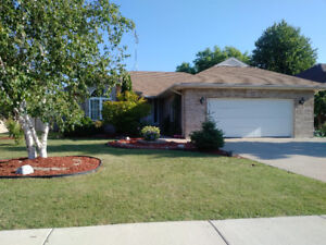 1587 Whitewood, Belle River