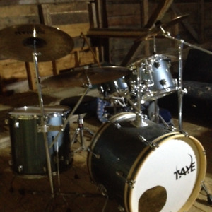 Five Piece Taye Drumset