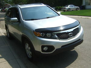 LOW km  2012 Kia SORENTO LX-V6 REDUCED