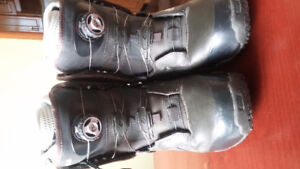 Womens Size 10 Vans Omni Snowboard Boots