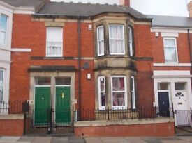 Spacious 3 bedroomed upper flat