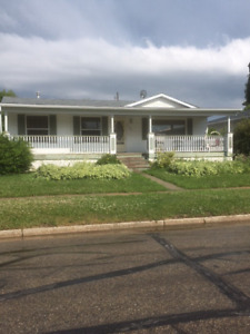 Nice furnished 6 bedroom crew house for rent in Whitecourt