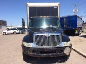 2005 International 4200 4x2, Used Dry Van