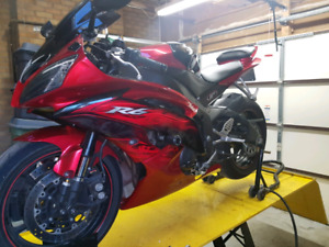 SOLD!!!!2011 yamaha R6..Special Edition