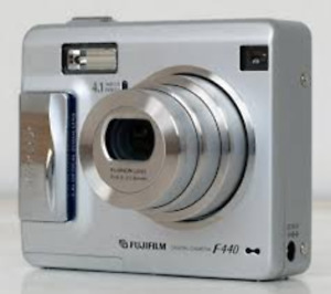 FS: Fuji Finepix F440 digital camera