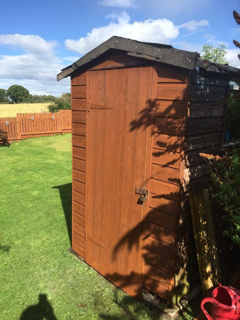 6x4 shed free roof rotten and no floor