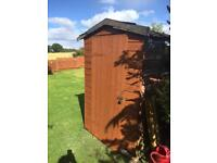 6x4 shed free. Roof rotten and no floor