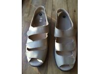 Ladies Easy B Sandals - Never Worn - New