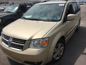 Super Clean 2010 DODGE GRAND CARAVAN SXT