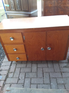 table/ cabinet