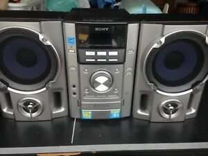 SONY CD/CASSETTE PLAYER WITH  REMOTE