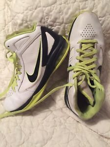 Nike men's basketball shoes