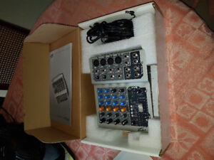 Peavey PV6 Small mixer mint in box