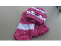 Ladies Pink and White Hat and Scarf Set.
