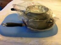 Trio pans set, wooden crockery, Toaster, black plates set